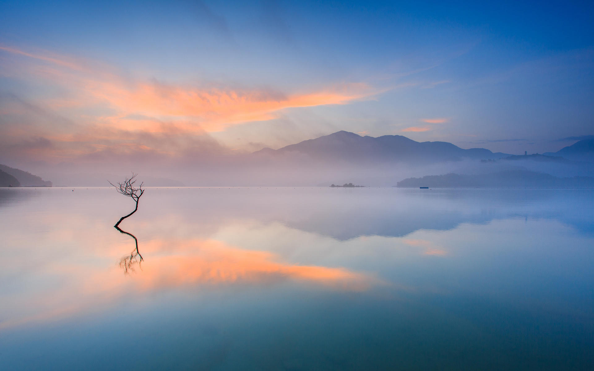 8823186-quiet-lake-wallpaper
